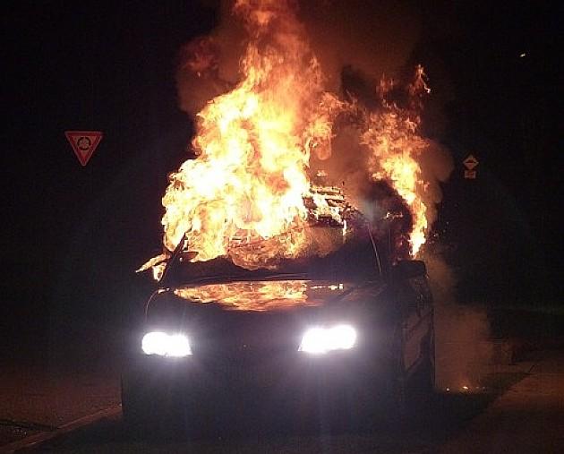 Ponovo goreli automobili na Novom naselju