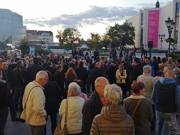 """Nakon višemesečne pauze, održan protest u Novom Sadu, ali bez """"1 od 5 miliona"""""""