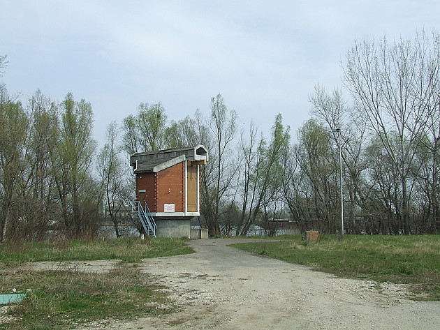 "Počinje čišćenje dovodnika sirove vode na ""Petrovaradinskoj adi"""