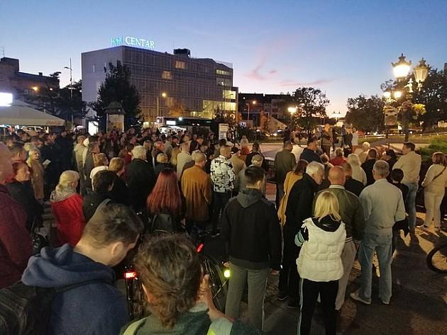 Održan drugi protest Saveza za Srbiju u Novom Sadu