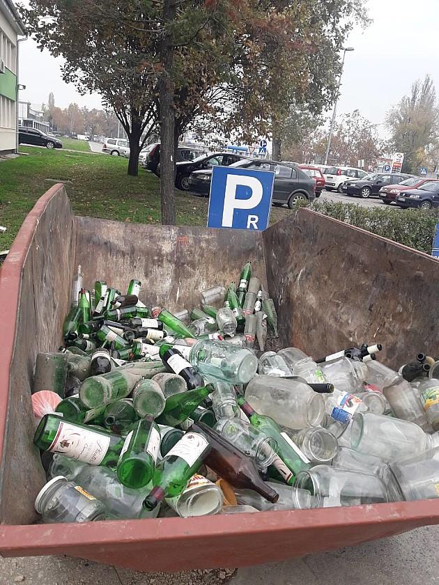 Pola tone stakla za reciklažu