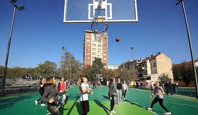 Obnovljeni košarkaški tereni u Eđšegu