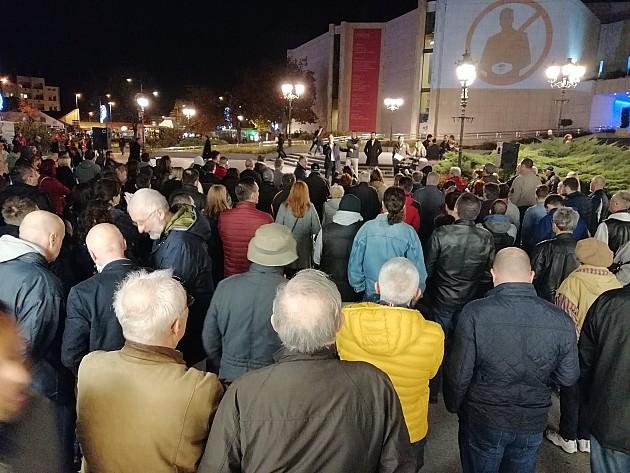 Održan protest protiv režima Aleksandra Vučića u Novom Sadu