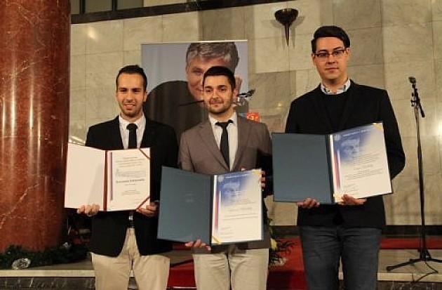 """Uručene nagrade """"Dr Zoran Đinđić"""", milion za najboljeg"""