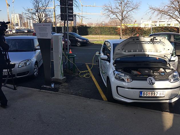 Novi Sad dobio prvi punjač za električne automobile