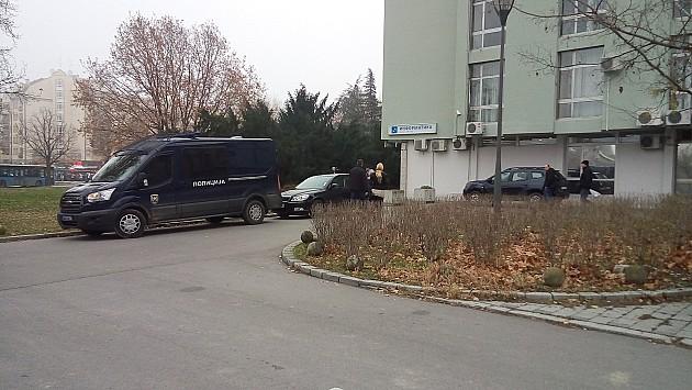 Policajac na dužnosti napravio incident u zgradi URBIS-a