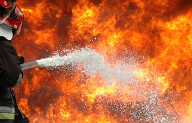 Veliki požar u zgradi na Limanu, izgoreo stan na trinaestom spratu